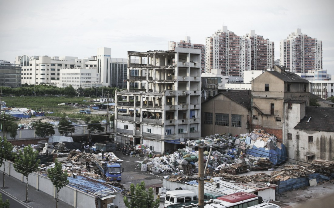 Empty factories in Hongkou 03