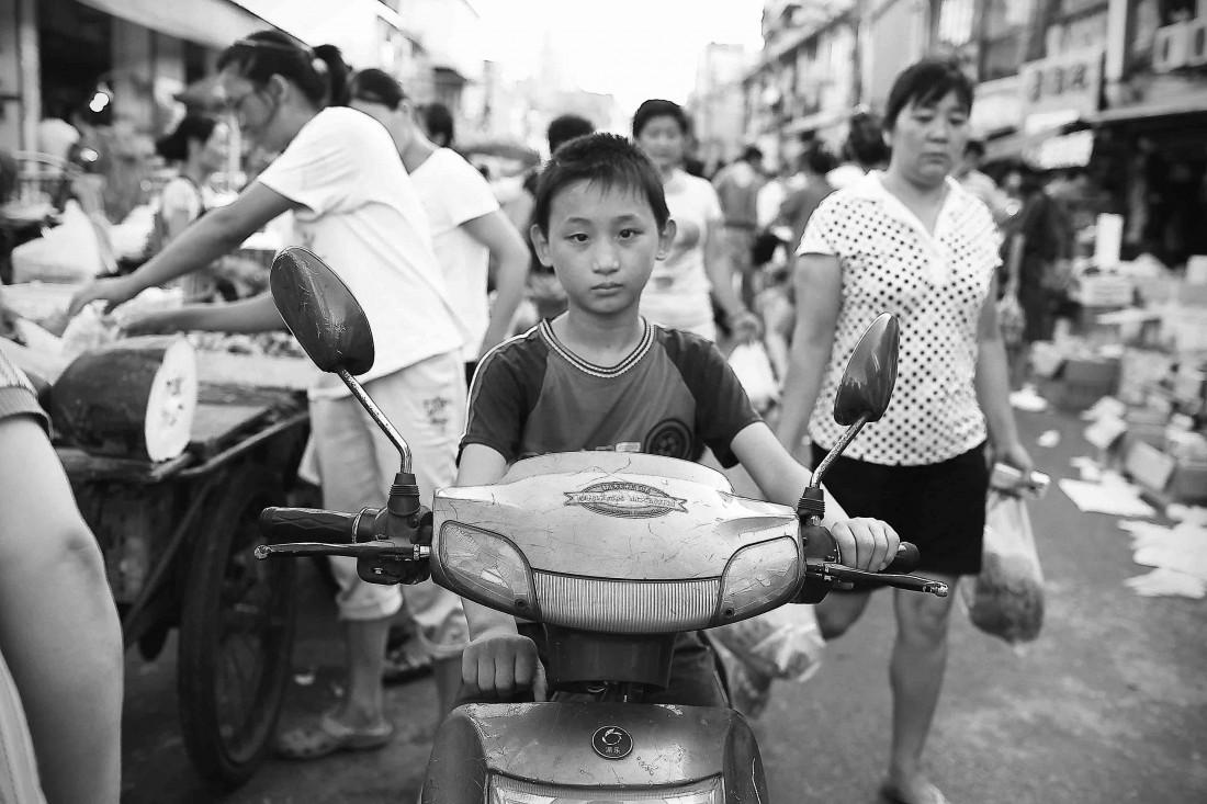 Hongkou market BW 05