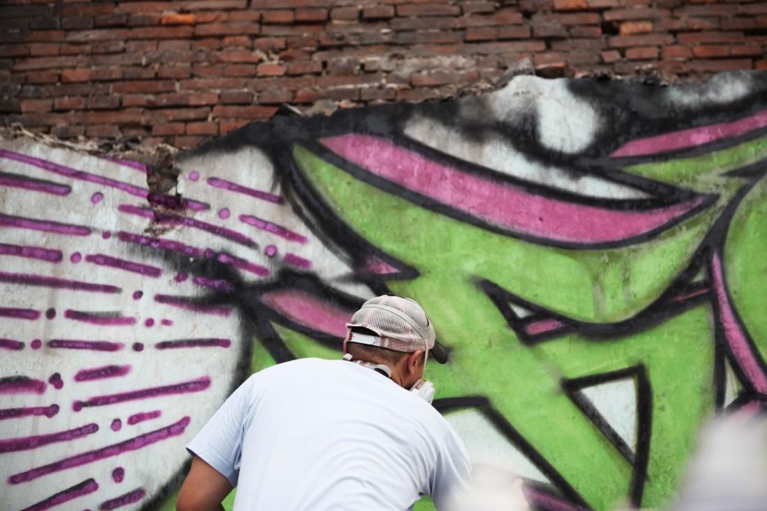Street art in Hongkou Gongping Lu 04