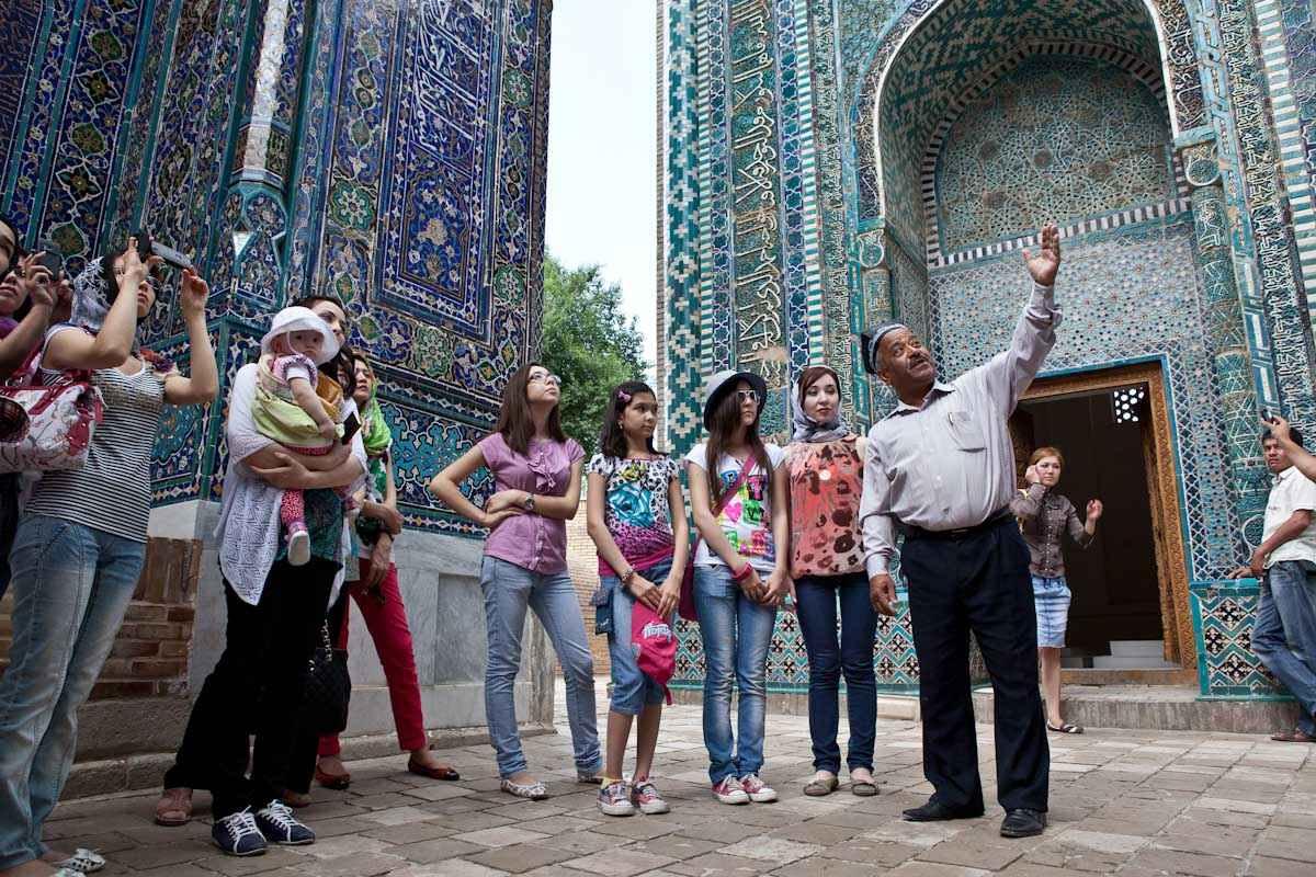 Samarkand Shah-i- Tourists